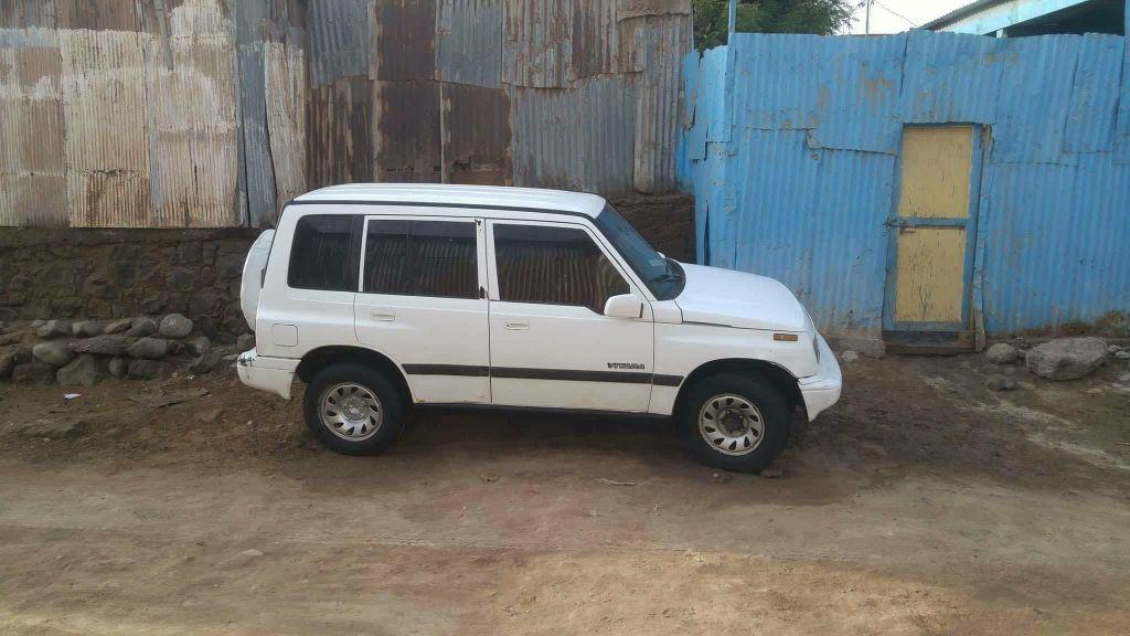 vend de voiture sizuki vitara