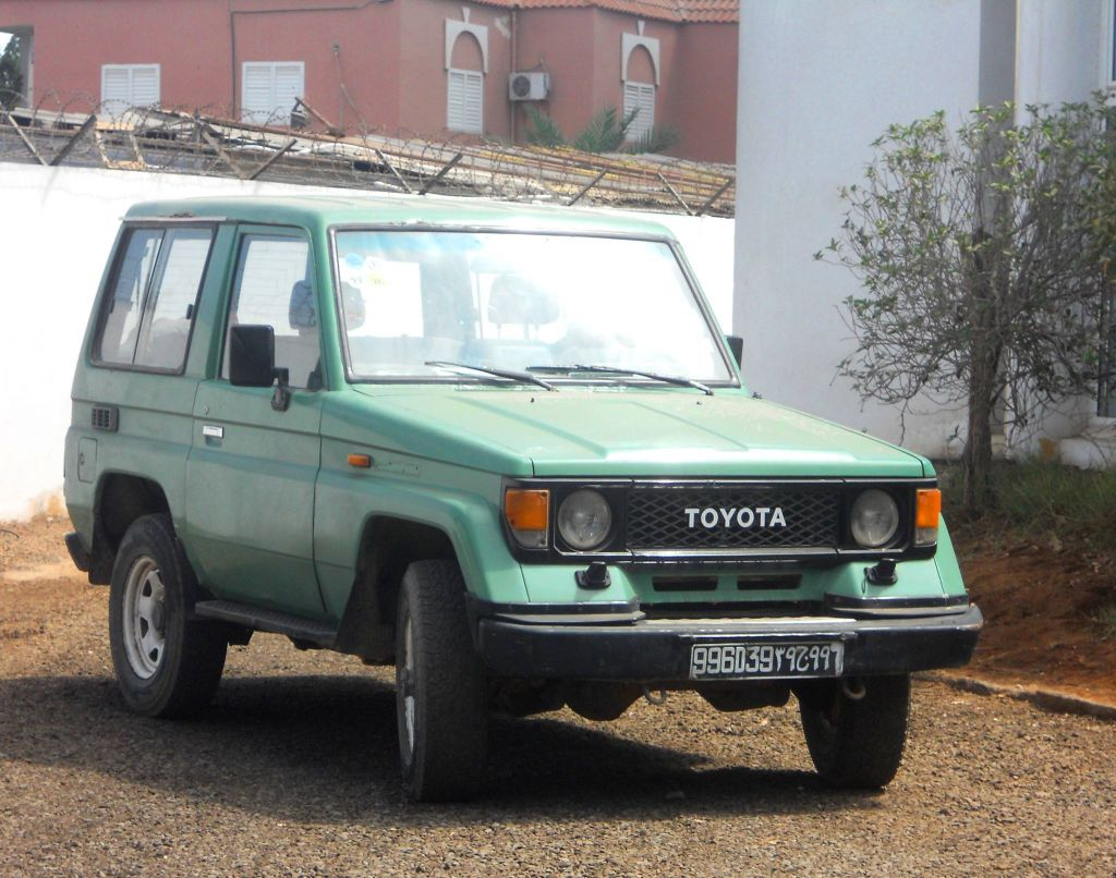 4x4 toyota land cruiser