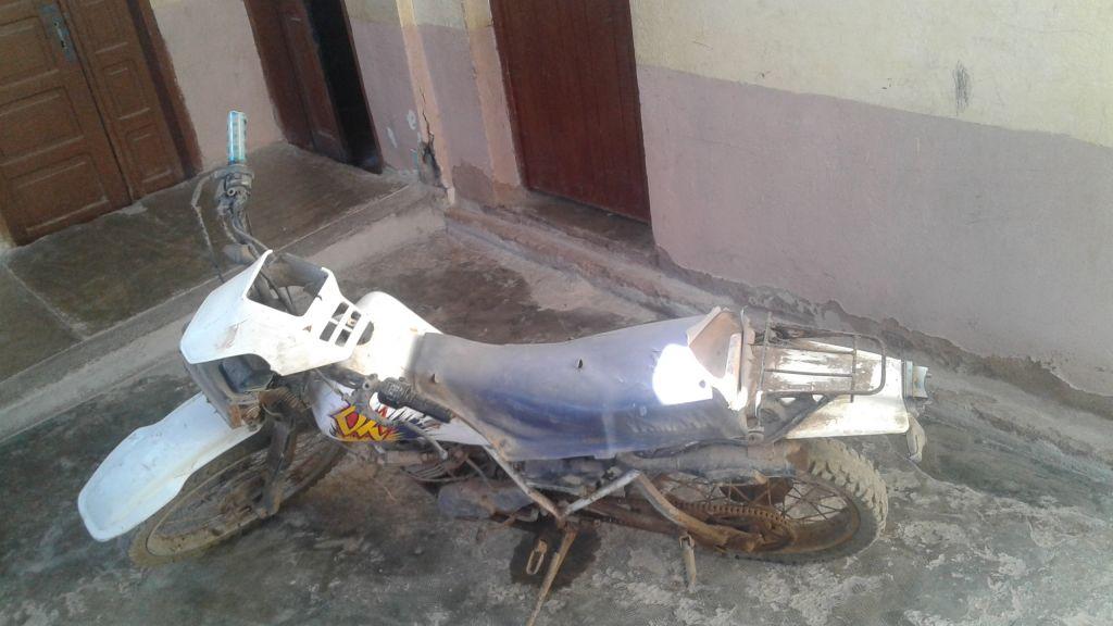 Moto Yamaha DT pour pièces détachées