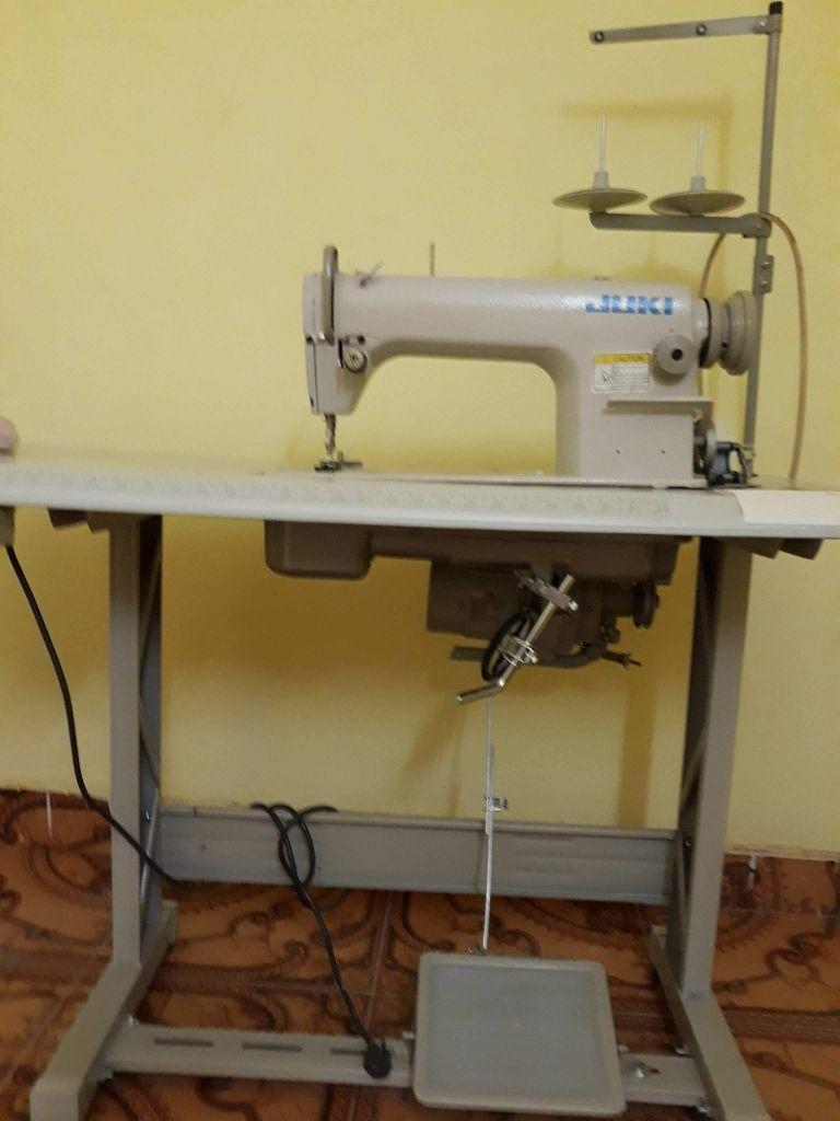 Machines à coudre électrique juku