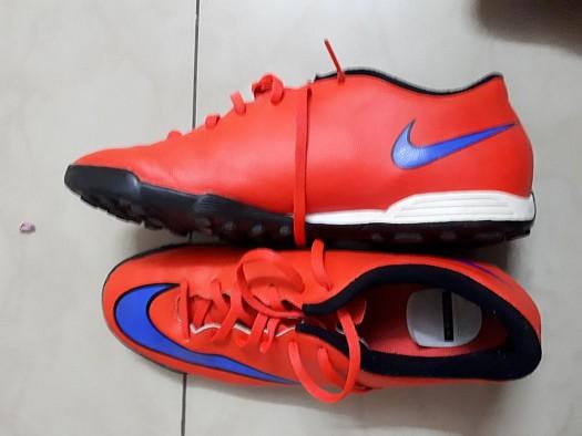 Chaussures de sport stabilisées