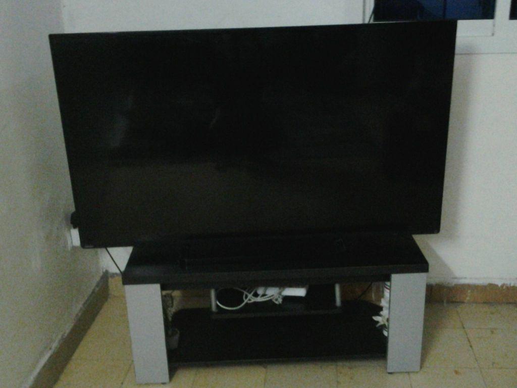 TV 52 inch