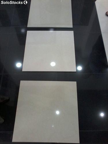 Marbre haute qualité 104 pieces de 60x60cm grand taille