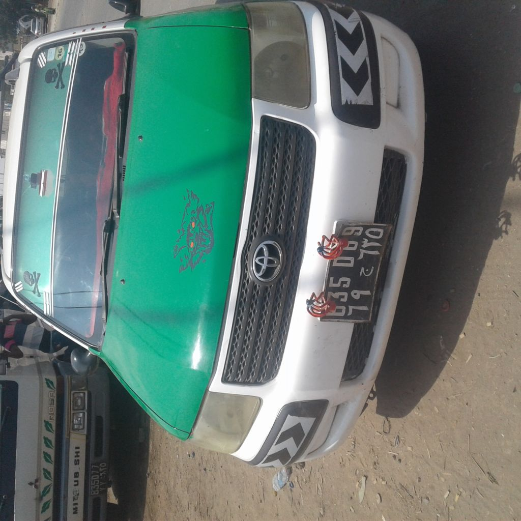 Taxi toyota