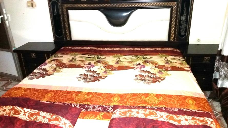 Chambre à coucher complet lit, commode, living et armoire