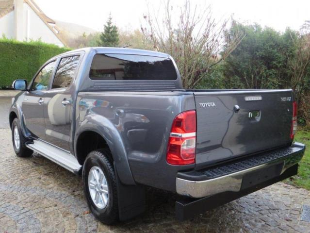 toyota hilux 2009 version iii  2  4wd 3 0 d