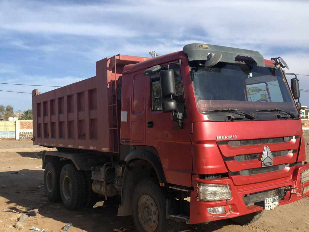 Camion benne sinotruk